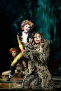 3-Nicole-Scherzinger-as-Grizabella-Cats