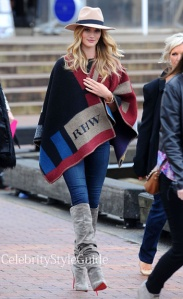burberry-prorsum-wool-and-cashmere-blend-cape-as-seen-on-rosie-huntington-whiteley